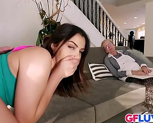 Valentina nappi shows her thick booty