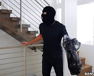 Bangbros - thief goes to city on keisha grey's large wazoo