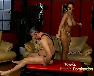Lusty stunner gianna michaels truly enjoys drubbing a latex-clad stud-horse