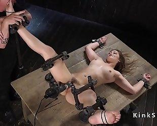 Slave in device servitude slit vibed