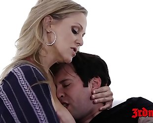 Cougar julia ann toe sucked whilst dicked in the slit
