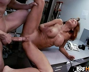 Big tit milf veronica avluv squirts in the backroom.3