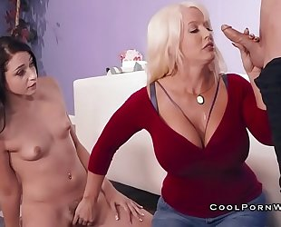 Alura jenson teaches step daughter how to engulf