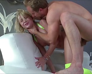Dakota skyes taut youthful anus stretched by large white rod