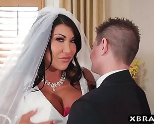 Huge mounds bride cheats on her wedding day with the superlatively good chap