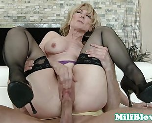 Cocksucking cougar pounded by hard weenie