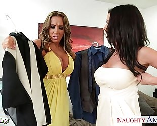 Babes richelle ryan and veronica avluv sharing a large ramrod