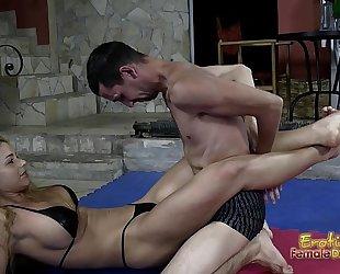 Victorious wrestling femdom-goddess jerks off her loser serf