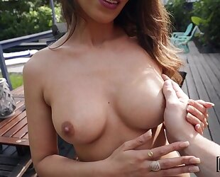Brown-haired beauty gives head and gets boned outdoors